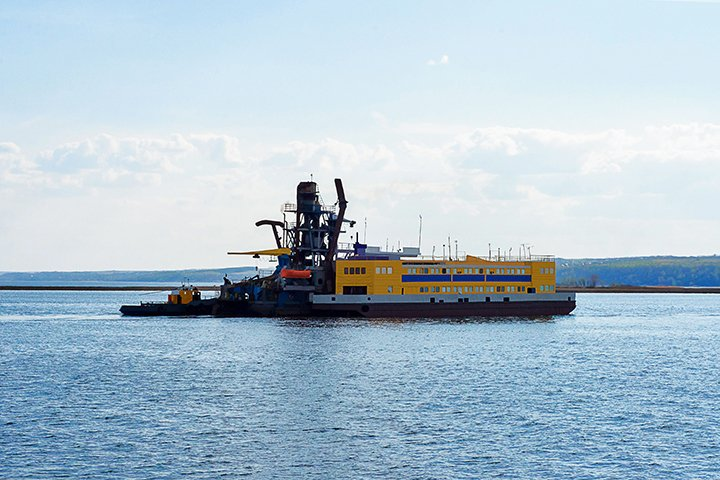 Vacuum Priming for Dredging